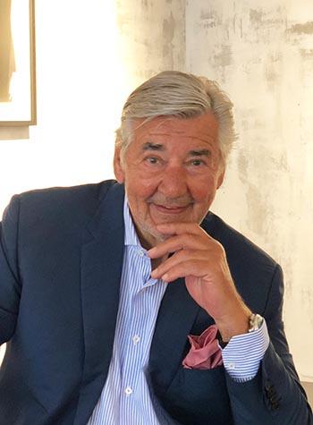 Galerist Dirk G. Kronsbein