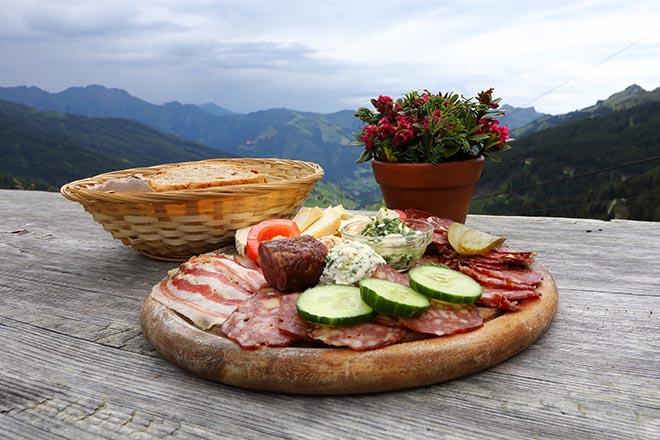 Ein typisches Losbühel-Alm-Frühstück!