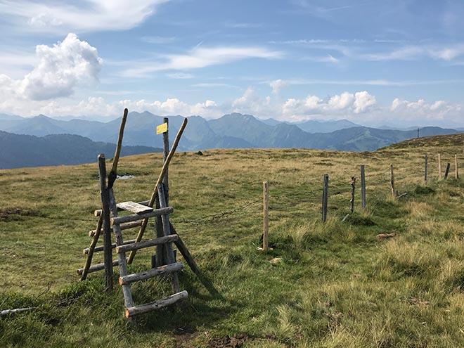Viele haben der Landschaft vom Großarltaler Gründegg bereits nachgesagt, dass es einer schottischen Landschaft ähnlich ist! So oder so: hier oben fühlt man sich wohl!