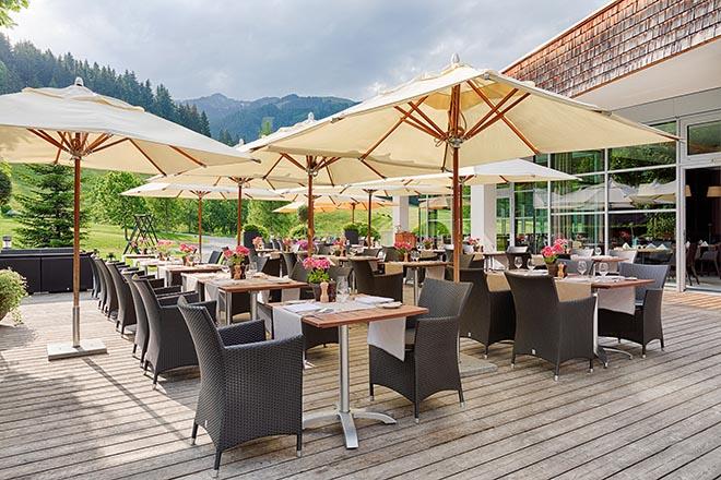 Die Sonnenterrasse des Restaurants Steinberg. Wenn die Sonne scheint, kann man