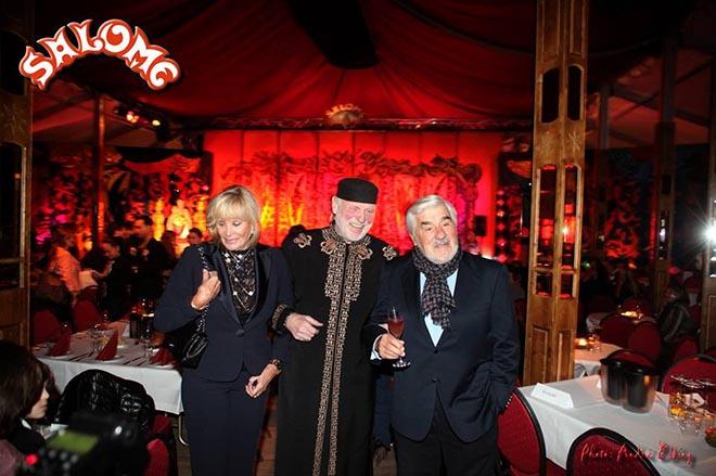 Harry Owens vom Traumtheater Salome mit Ehepaar Adorf