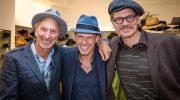 Lässige Hut-Party in München: Mann trägt wieder Hut