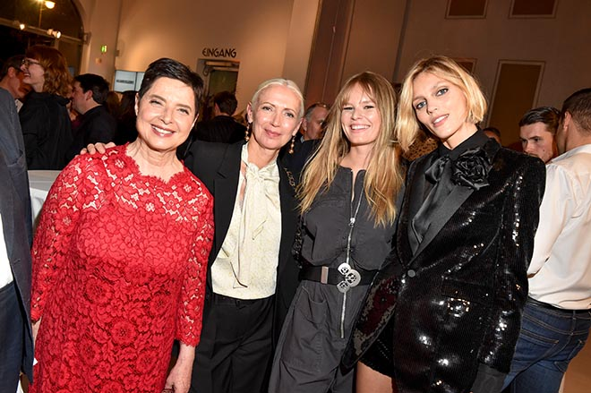 Isabella Rossellini, Christiane Arp (Chefredakteurin VOGUE Germany), Anna Ewers, Anja Rubik / VOGUE Preview Ausstellung in der Villa Stuck in München. Fotocredit: BrauerPhotos / G.Nitschke  40 Jahre Vogue