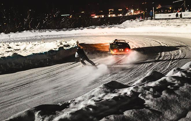 Mit 140 km/h geht es über die Eispiste. Fotocredit: Hanswirt