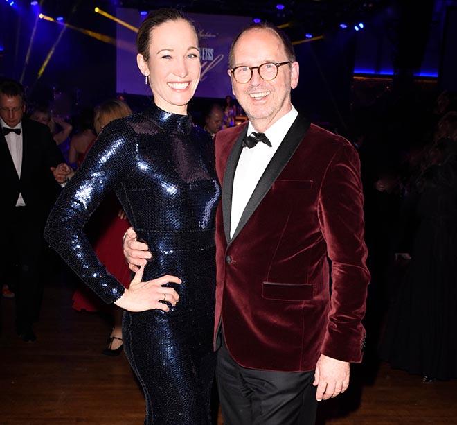 Beim CSU-Ball letzten Samstag zauberte Horst Kirchberger der Ex-Kickboxerin Christine Theiss ein Glamour make-up! Fotocredit: Petra Schönberger