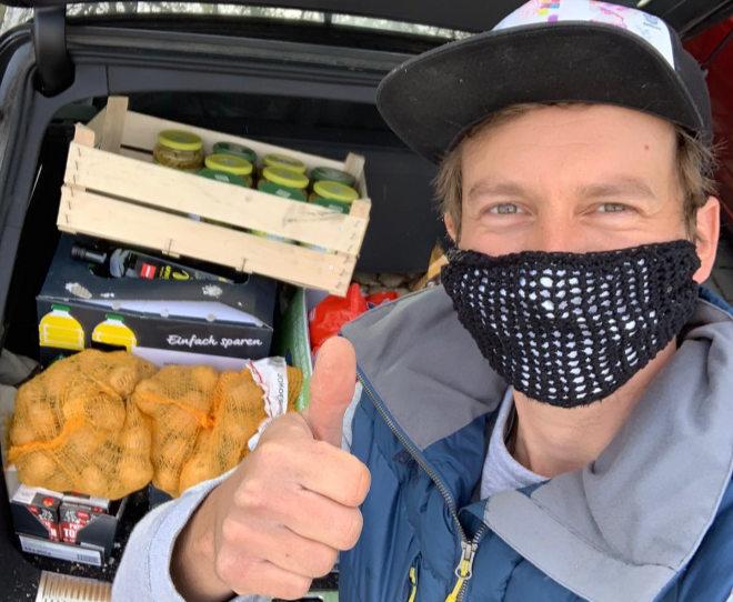 """Ben Blaskovic war in seiner Heimat Miesbach, Rosenheim sowie in München unterwegs, um Lebensmittel an die TAFEL zu spenden. Und auch diese Woche geht es für den ehemaligen """"Rosenheim Cops""""-Darsteller mit einem Einkauf für die TAFEL an seinem langjährigen Drehort Rosenheim weiter!"""
