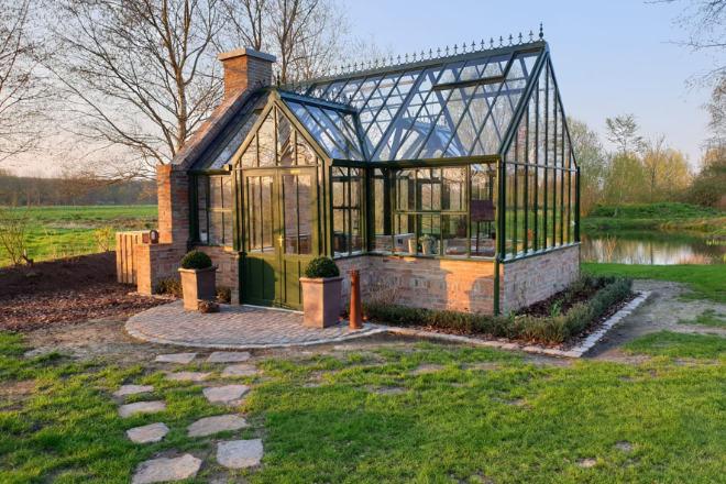 Viktorianischer Stil: Genau wie die Vorbilder aus dem 19. Jahrhundert sind die Gewächshäuser solide gebaut.
