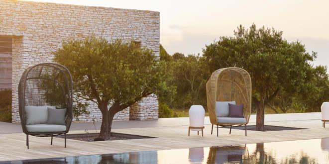 Machen richtig Lust aufs Wohnen unter freiem Himmel: die Cocoon Sessel von GamFratesi für DEDON. Copyright: DEDON