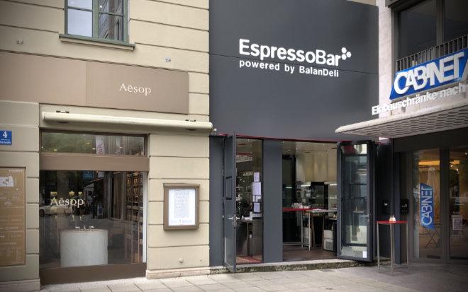 Münchner wissen natürlich, wo die neue EspressoBar ist: im Luitpoldblock am Maximiliansplatz 10/Salvatorplatz 4!