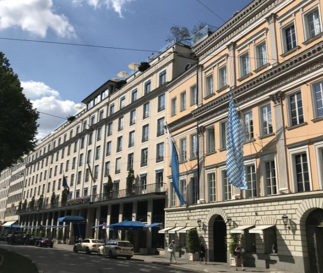 Auch das Hotel Bayerischer Hof ist dabei und bietet die Nacht mit Frühstück für 139 € an. Fotocredit: ExklusivMünchen