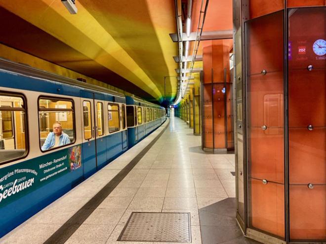 Leere Bahnsteige und kaum MVV-Fahrgäste waren auf einmal Realität! Fotocredit: Nicole Giesa
