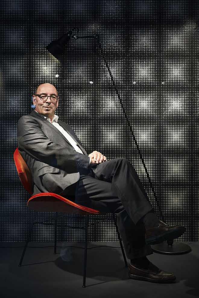 Von seinen Mitarbeitern hat Georg Böhmler Interview einen Regiestuhl geschenkt bekommen. Im Interview verrät er, wo der steht!