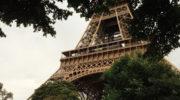 Ein Element der Originaltreppe des Eiffelturm für die eigenen vier Wände