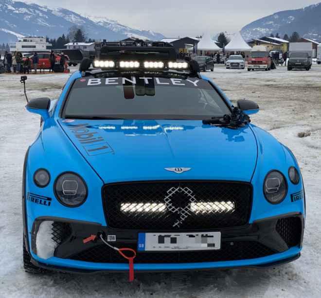 Ein Bentley ist kein Schönwetterauto. Dieses Exemplar fuhr beim ICE Race in Zell am See sogar über Eis! Auto winterfest machen