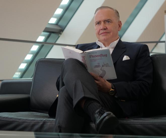Unternehmer Peter Werner Maria Löw feierte im November 2020 seinen 60.ten Geburtstag.