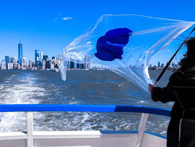 Eine Flagge stiftet Identität und mittlerweile taucht die #oneworldflag überall auf der Welt auf. Hier in New York. Fotocredit
