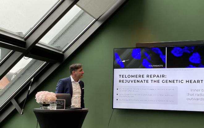 Dr. Christian Fach kam im Februar 2020 nach München, um seine neue Beauty-Marke und deren Inhaltsstoffe mit dem Telomere Effekt vorzustellenvorzustellen. Fotocredit: EM