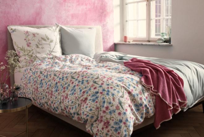 """Mit dem filigranen floralen Motiv in Kombination mit einer sanften Farbgebung bringt man mit der Bettwäsche """"Peppina"""" (RID Selection) den Frühling ins Schlafzimmer!"""