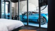 Ameron München Motorworld: Wer will mit seinem Auto übernachten?