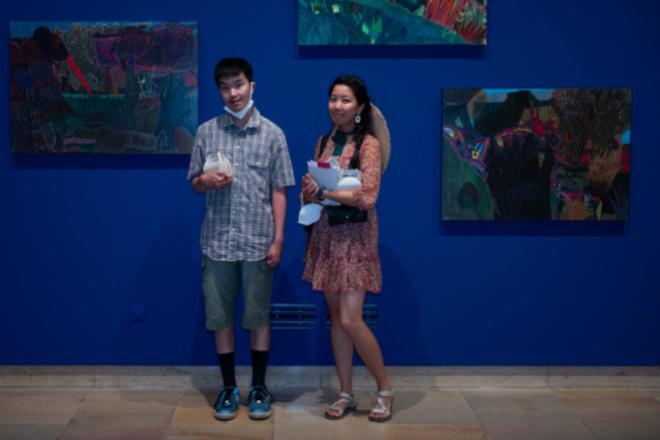 Kar Hang Mui aus den Niederlanden wurde nicht nur Drittplatzierter, sondern kam mit seiner Schwester am 15. August auch ins Haus der Kunst, um den euward Publikumspreis entgegen zu nehmen. Fotocredit: Isabel Mühlhaus