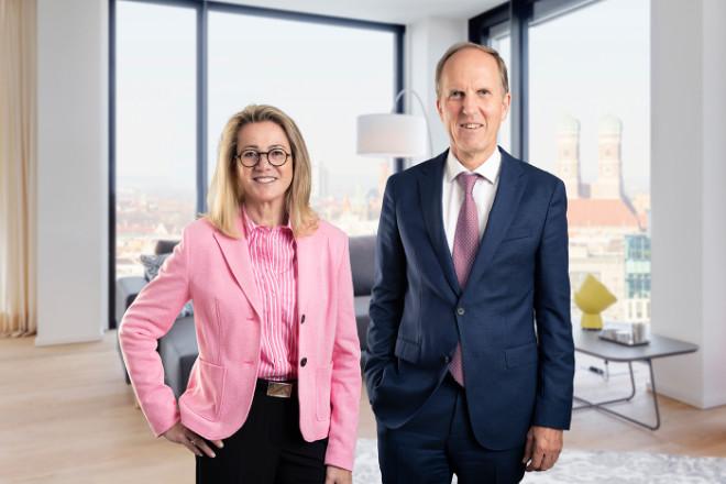 Petra Berger mit Mr. Lodge CEO Norbert Verbücheln