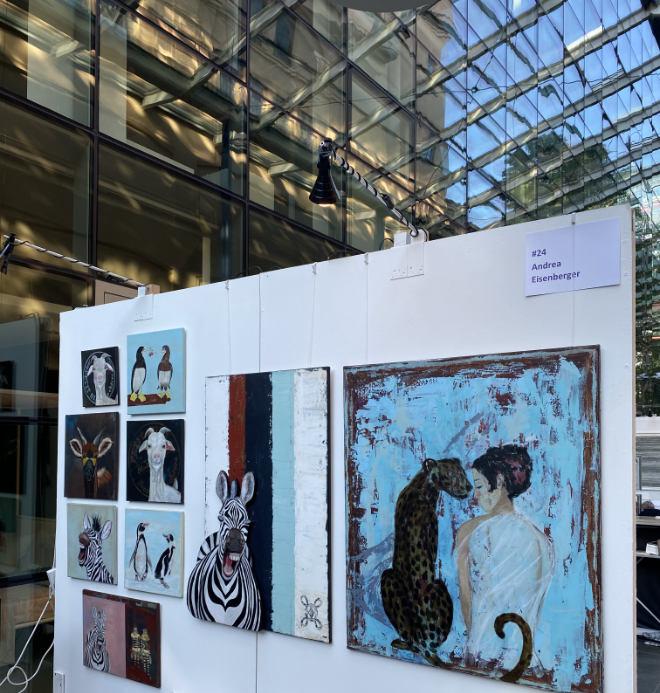 Künstlerin Andrea Eisenberger ist am zweiten ARTMUC Re:Start Wochenende im Lichthof.