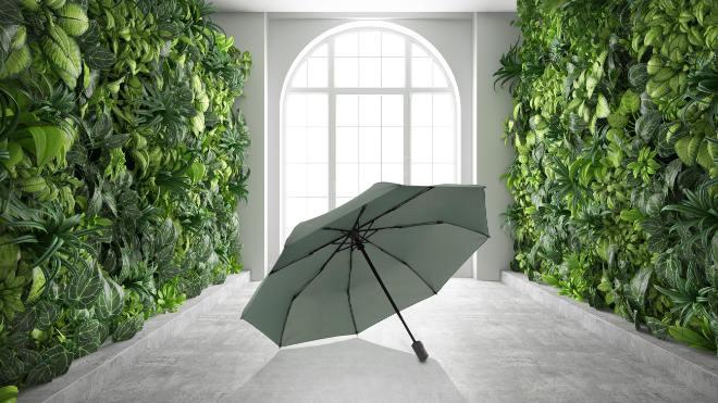 Der Regenschirm VISION ist in den Farben Black, Navy und Green zum UVP von 49,99 im ausgesuchten Fachhandel sowie Kauf- und Warenhäusern und online auf www.knirps.de ab September erhältlich.