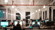 Ein sauberes Büro steigert die Produktivität: DIY Reinigungs-Tipps fürs HomeOffice
