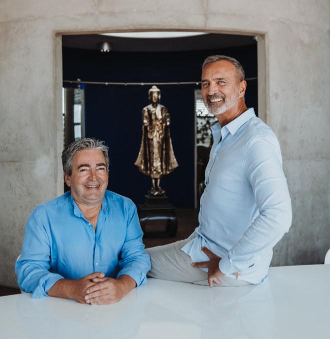 Die beiden Gründer und CEOs von KARE Design: Peter Schönhofen (li.) und